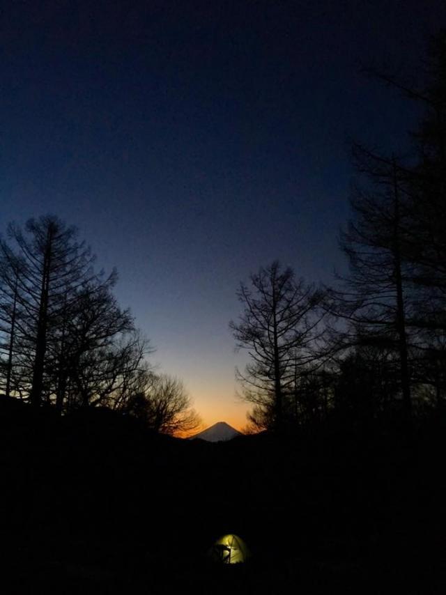 富士見平小屋から瑞牆山・金峰山の情報 積雪は瑞牆山頂直下と、金峰山側は 2018年04月27日