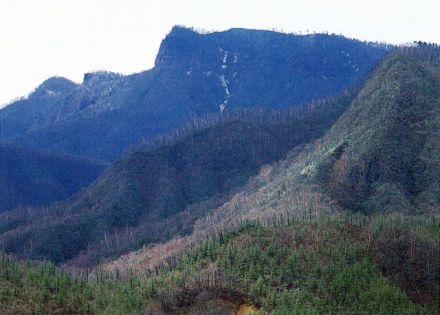 鼻曲山 - 秘湯と浅間山の展望が...