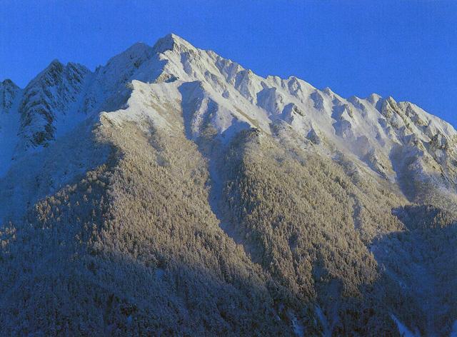 西穂高岳 - にしほたかだけ:標高2,909m-北アルプス・御嶽山:北アルプス南部 - Yamakei Online / 山と溪谷社