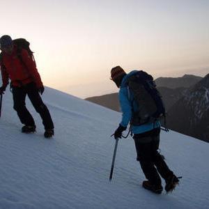 アイゼン・ピッケルを付けた登山では保険の対象外!? 知らないと損する山岳保険の知識
