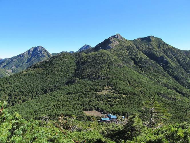 山梨県北杜市 甲斐駒ヶ岳赤岳金峰山など名山に囲まれた